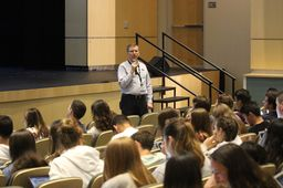 College Counseling Department Hosts College Application Workshop for Seniors